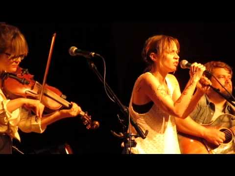 Fiona Apple and Watkins Family Hour - Jolene live at Fayetteville Roots Festival