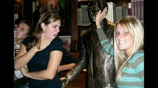 Hilarious moment of people with statue...