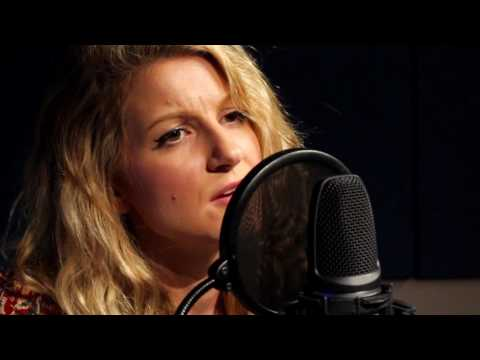 Cally Rhodes - 'Glasshouse' live in session