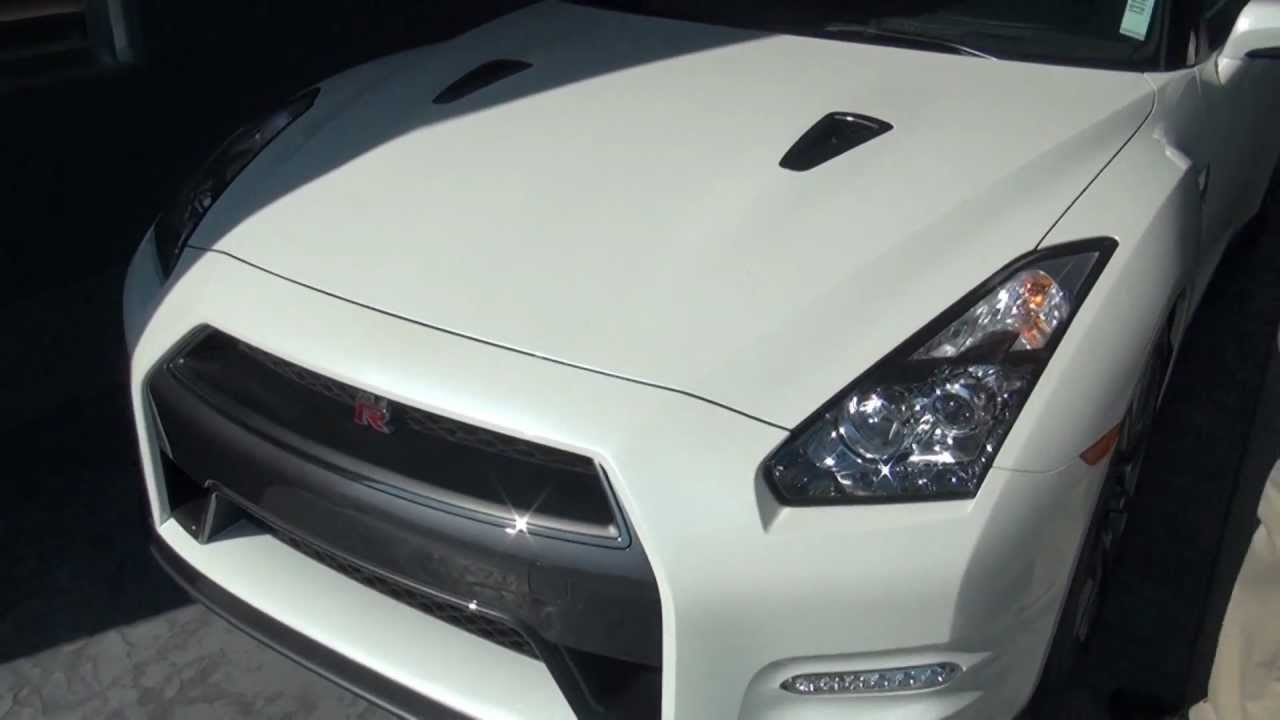 Maita Nissan: 2013 GTR Walk Around - YouTube