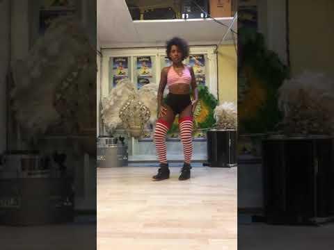 Baile Funk-Estilo Faixa -Bum bum vai balançar -Dj MAM and PHAFHAR