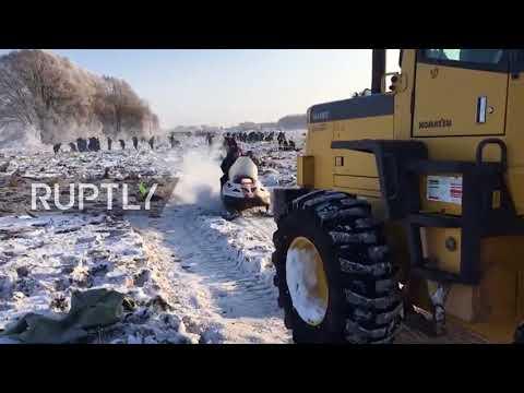 Russia: Investigators continue salvage operations at plane crash site