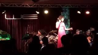 Mùa Hè Đẹp Nhất - Trần Thu Hà - Live Phòng trà WE