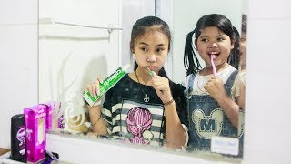 Kids go to School Learn | Chuns learn to brush their teeth , Morning exercise