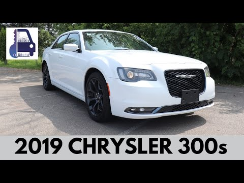 2019 Chrysler 300s Full Walk Around and Review