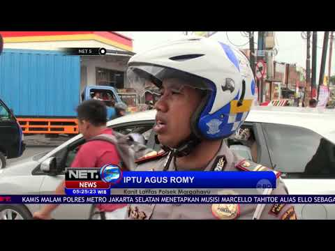 Video Viral, Pelanggar Lalu Lintas Ejek Polisi - NET5