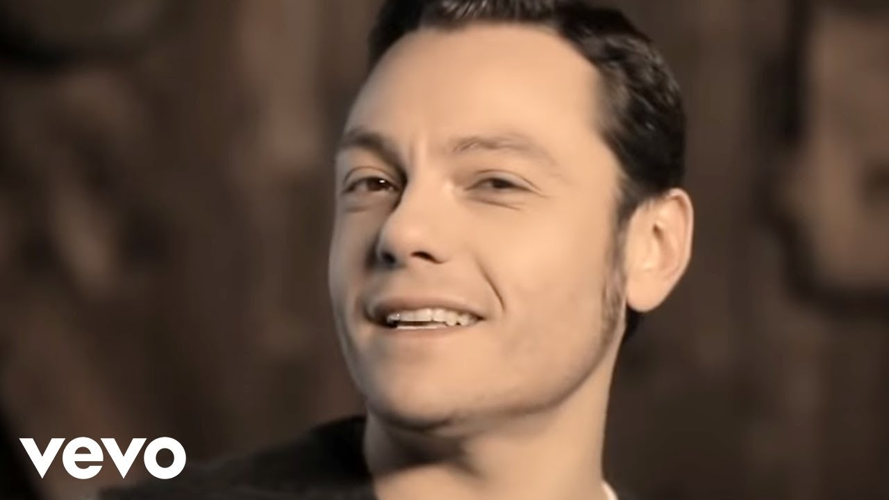 Tiziano ferro l 39 ultima notte al mondo youtube for Ferro al chilo