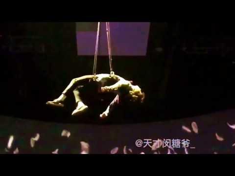 Jungkook prepares for his breathtaking intro at MAMA 2016