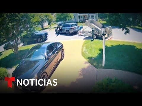 Arrojó 80,000 centavos a su exmujer y su hija   Noticias Telemundo