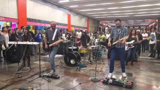 Download Uhhh!!! - La Banderville @ Metro Tacubaya MP3 song and Music Video