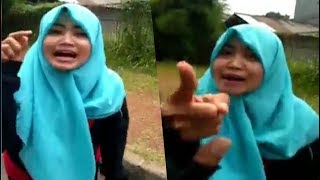 Gambar cover Wanita Adu Mulut Dengan Sopir Ojek Online hingga Ngatain Banci dan Meludah, Siapa yang Salah?