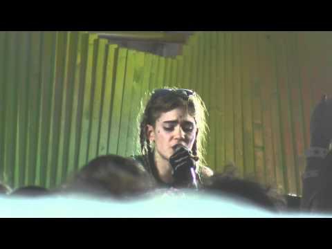 Grimes - Vanessa (Live at SXSW 2012)
