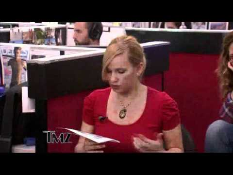 Kelly Ripa - Nearly Naked Live! Regis&Kelly from YouTube · Duration:  1 minutes 12 seconds