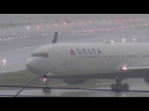 5 Hours of SFO Aircraft Operations in Bad Weather Sunday Jan 8, 2017