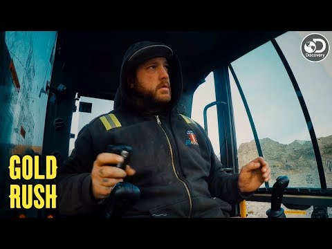 Truck Collision Leads to Injury | Gold Rush