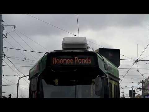 Scrolling route number board on tram Z3.169