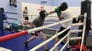 Обучающий спарринг с тренером мастером спорта по боксу Урфаном Масимовым