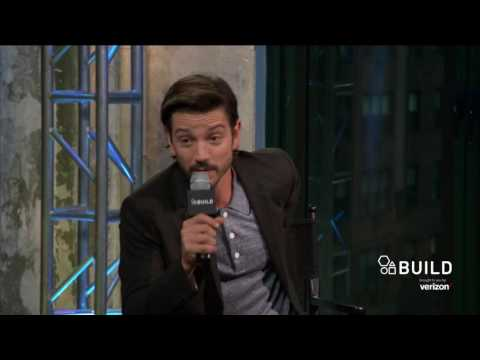 Diego Luna Talks About His Experience With The Paparazzi