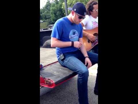 Cole Swindell Lemme see ya girl singing at our tailgate Camden NJ 6/1/2013