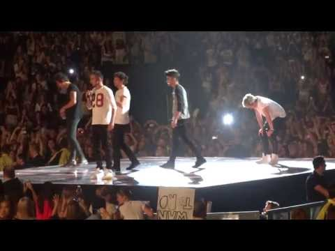 One Direction- Teenage Kicks/Twitter Questions Toronto