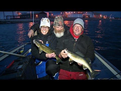 Long Line Trolling Menominee River Walleyes - Larry Smith Outdoors