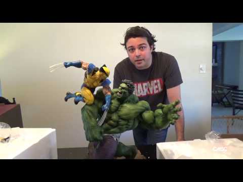 Hulk vs Wolverine Maquette by Sideshow Collectibles Unboxing