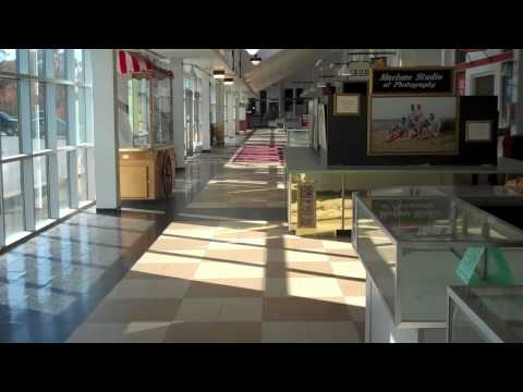 Dead Mall: The Cape Cod Factory Outlet Mall, Sagamore, MA (R.I.P.)