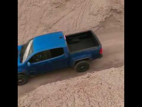 2019 Jeep Gladiator vs Chevrolet Colorado ZR2 ! In the Desert ! 🌵🏜️