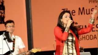 Download Mast Kalandar - Akriti Kakkar, Kala Ghoda MP3 song and Music Video
