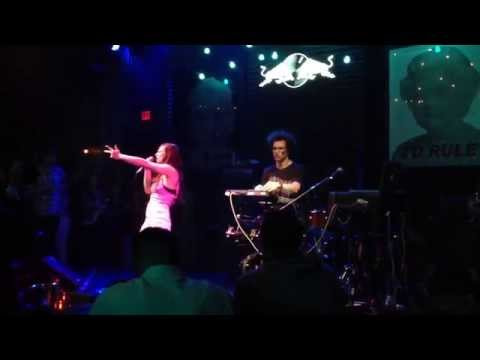 ASTR - R U With Me (Live at The Sayers Club) [clip]