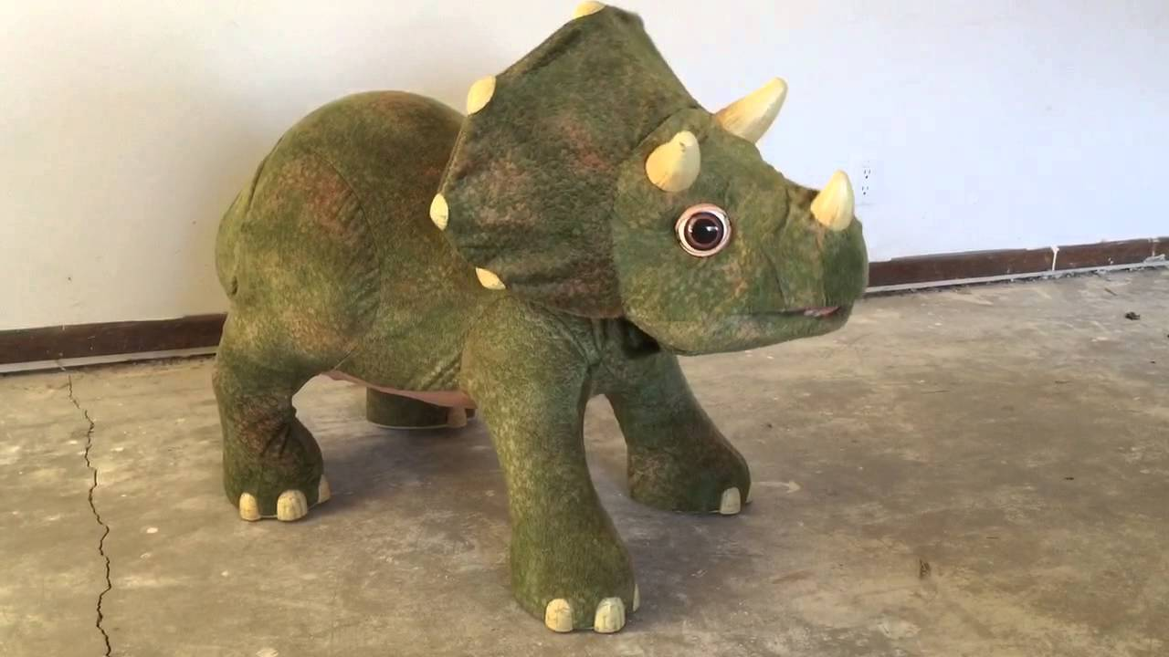 Triple-horned dinosaur discovered that was cousin of ... |Triceratops Dinosaur