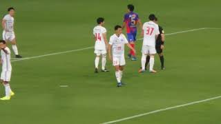 FC東京 2-1 流経大ドラゴンズ龍ヶ崎 後半14分、エリア内の流経大Dの選手...