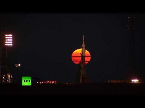 RAW: Supermoon seen over Baikonur launch complex