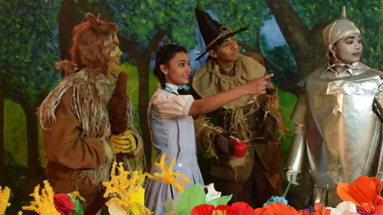 Dorothy and tin man scarecrow lion for