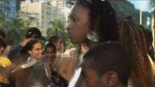 Living in the Slums - Outro Lado do Morro - Trailer - 2007