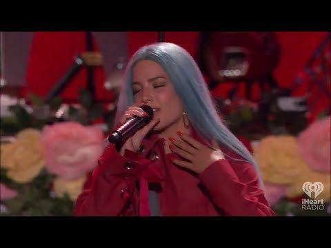 Halsey - Eyes Closed (Live at iHeartRadio Summer 2017)