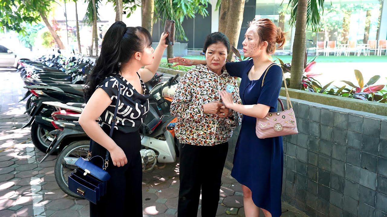 Gái Quê Cho Bà Cụ 20 Nghìn Mua Vé Xe Bus, Nhận Được Việc Lương Nghìn Đô | Gái Quê Tập 11