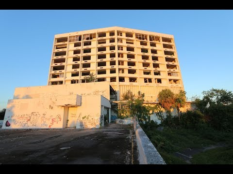 Abandoned Hospital in Miami!