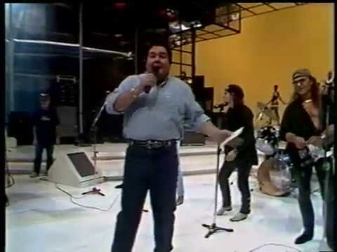 Scorpions - Still Loving You and Under The Same Sun - Domingao do Faustao - 1994