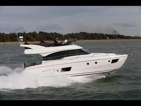Bavaria Virtess 420 tested by Motor Boats Monthly
