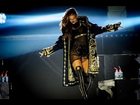 Rihanna - Phresh Out The Runway - DVD The Diamonds World Tour Live At Buffalo (HD)