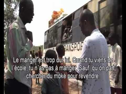 Carnet de voyage Tamsirnews à la rencontre de la population de Manbia .