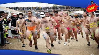 ✅ Se alle billederne fra nøgenløbet på Roskilde Festival