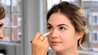 ORIGINAL SPF 15 Foundation How To Apply