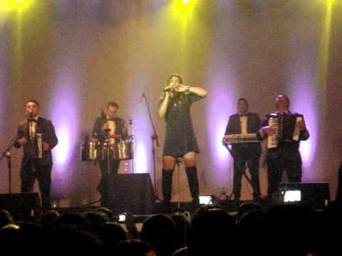 Angela  Leiva  ¡Corre! / Teatro Gran Ituzaingó 09-04-2016 |