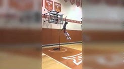 Texas basketball freshman is 6'3, can touch the top of the FRIGGIN BACKBOARD
