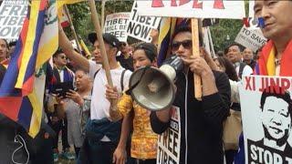 Người Việt biểu tình chống Chủ tịch Trung Quốc tại Mỹ