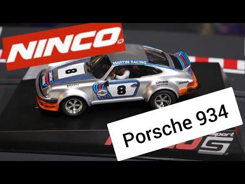Ninco porsche 934 Slot car Review : Martini style
