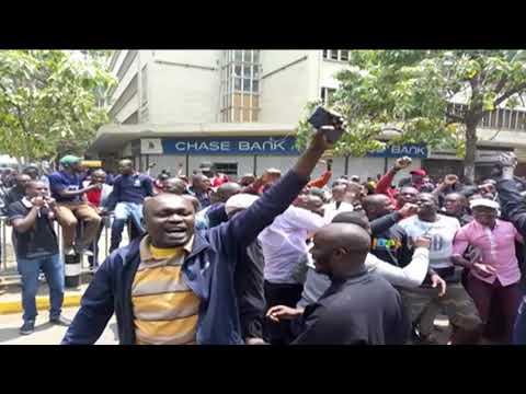 Kenyans react as Supreme Court nullifies President Uhuru Kenyatta's win