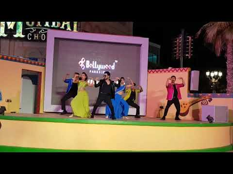 Shahrukh Khan Dubai Performance Bollywood Parks.
